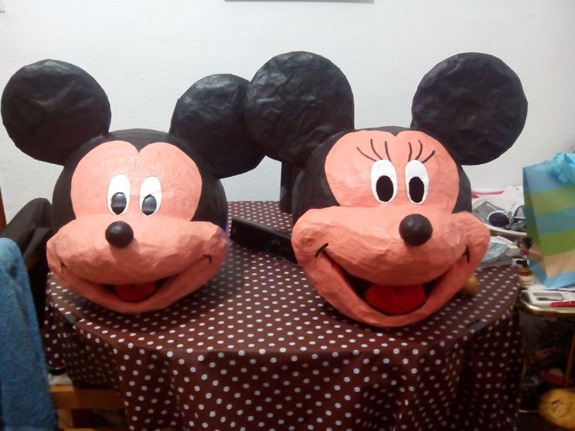 Cabezas para el disfraz casero de Mickey y Minnie terminadas