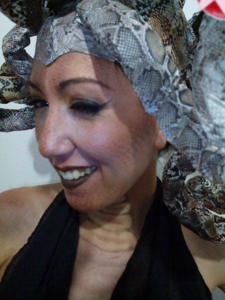 disfraz de medusa serpientes