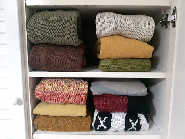 Ganar espacio de almacenaje treinta y diario de una - Metodo konmari ropa ...